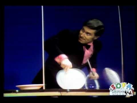 Erich Brenn plate spinning on the Ed Sullivan Show. Remember this guy? It was crazy!