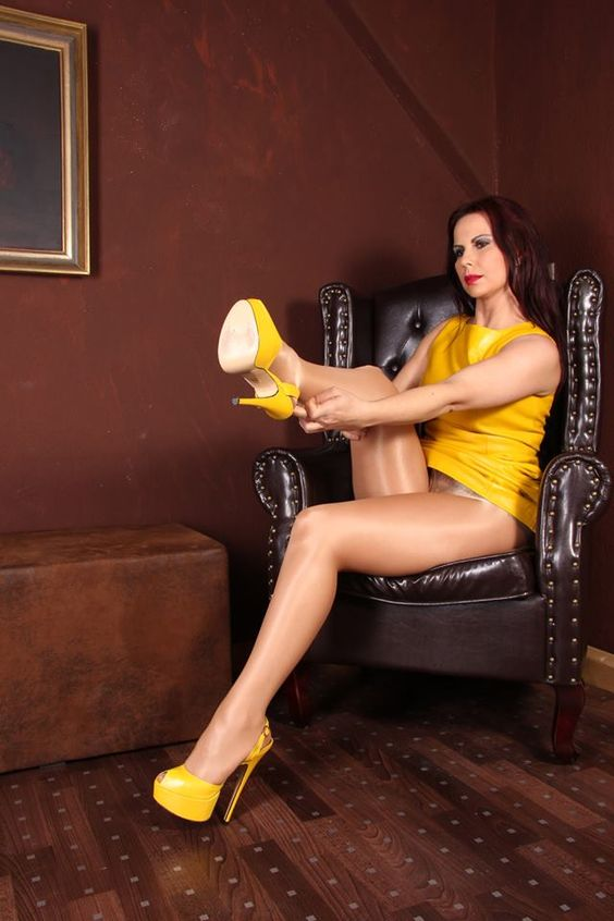 gina queen of heels more goddess gina gina luther photo gina ️ gina ...: https://www.pinterest.com/pin/301600506272390263