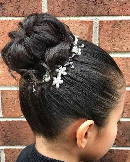 All About First Communion Cute Little Girl Hairstyles Flower Girl Hairstyles Little Girl Hairstyles