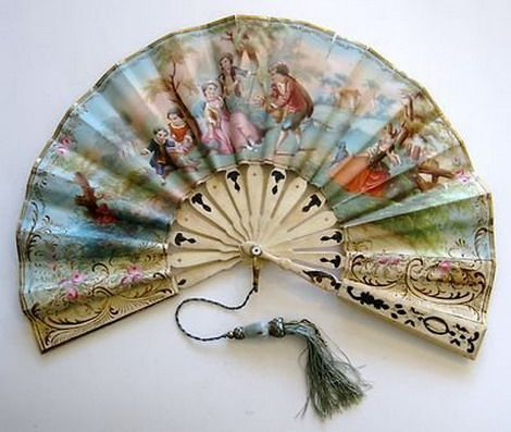 Antique French Victorian hand fan: