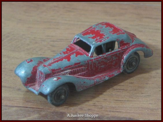 TOOTSIETOY 1950's Release Of The 1939 Mercedes Benz Coupe Red Diecast Car Toy  Junk 665  http://ajunkeeshoppe.blogspot.com/