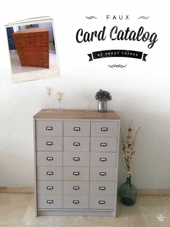 Una vieja cómoda se convirtió en un simulado mueble catálogo de tarjetas