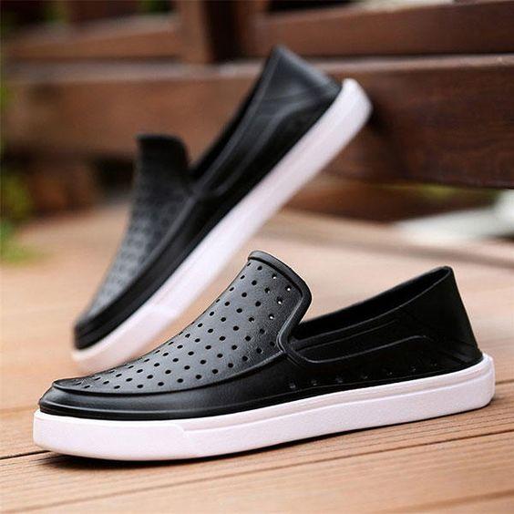 Men Waterproof Hollow Outs Outdoor Sneakers Flats - US$22.68
