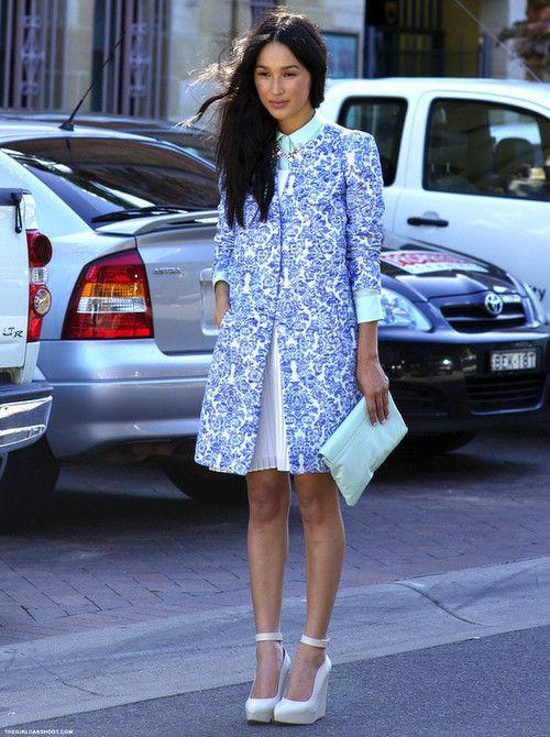 Street Style: Classy & Stylish in BLUE