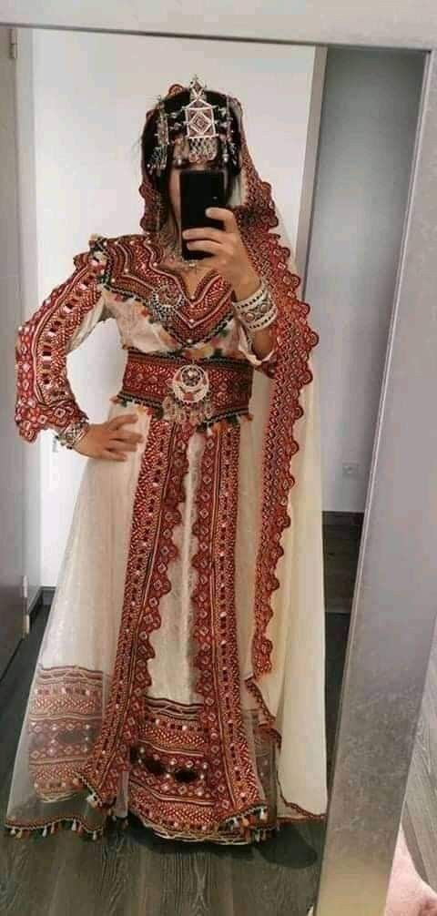 Pin By Nedjoua Youcef On Robe Kabyle Berbere Diwali Fashion Traditional Dresses Fashion