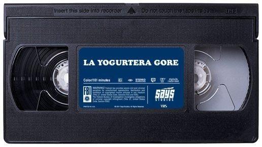 """La Yogurtera Gore, la cinta que lo empezó todo. Un film de terror de culto por el que Ramiro estará dispuesto a quedar con el inadaptado de la clase. Capítulo 1 del libro """"Historias que no contaría a mi madre""""."""