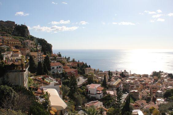 Unvergleichliche Aussicht auf Sizilien: 7 Tage im 3-Sterne Hotel mit Blick auf das Meer & den Ätna, Frühstück + Flug ab 387 € (mit Halbpension ab 514 €) - Urlaubsheld | Dein Urlaubsportal