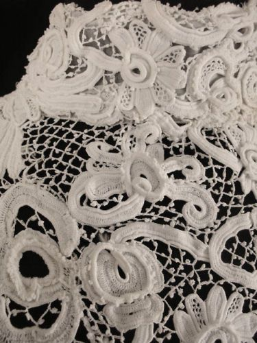 EXCEPTIONAL-RARE-FRENCH-VICTORIAN-1800S-IRISH-CROCHET-LACE-WEDDING-DRESS-SZ-4-6