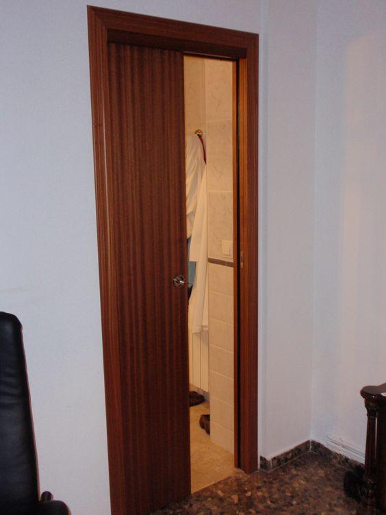 Puerta corredera de armazón metálico, para esconder la puerta ...