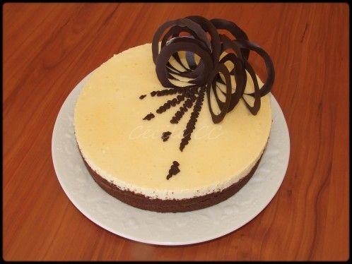 Entremet biscuit chocolat insert g lifi fraise mousse for Decoration entremet