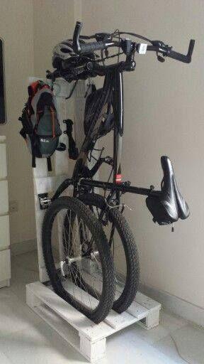 Sie haben noch einen guten Platz, um Ihr Fahrrad parken Die Paletten sind die Lösung! 2