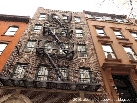 """Las escaleras de incendios con las que Vera tiene un """"percance"""" en Nueva York.  #novela #libros  """"Dime con quién hablas y te diré si estás loca"""" ya a la venta en www.bubok.es"""