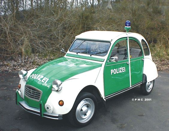 Citroën 2CV ★。☆。JpM ENTERTAINMENT ✏✏✏✏✏✏✏✏✏✏✏✏✏✏✏✏ AUTRES VEHICULES - OTHER VEHICLES ☞ https://fr.pinterest.com/barbierjeanf/pin-index-voitures-v%C3%A9hicules/ ══════════════════════ BIJOUX ☞ https://www.facebook.com/media/set/?set=a.1351591571533839&type=1&l=bb0129771f ✏✏✏✏✏✏✏✏✏✏✏✏✏✏✏✏