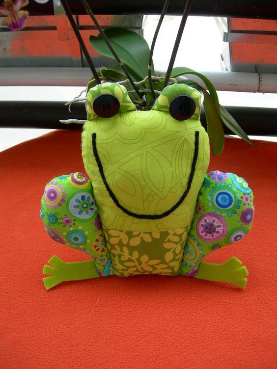 tutos grenouille diy jouet pinterest. Black Bedroom Furniture Sets. Home Design Ideas