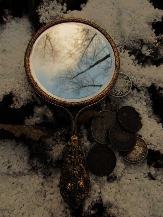 Miroir cendrilllon cinderella pinterest neige for Miroir st antoine