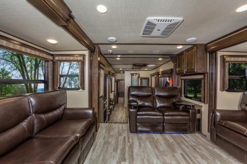 Pin On Solitude Luxury Fifth Wheel Interiors