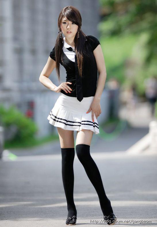Models, School girl and Popular on Pinterest