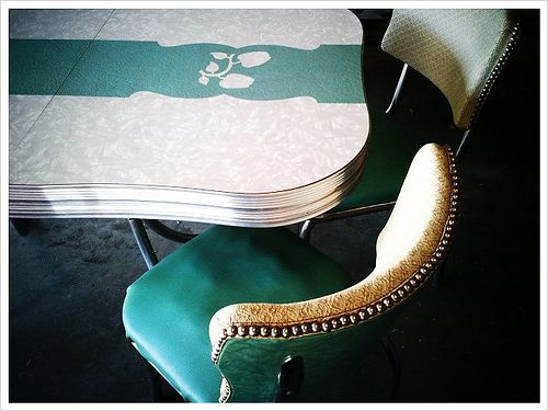 my new kitchen table. formica and chrome. mint green apples.