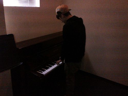 Zayn playing a piano. What happend to the triangle triangle triangle?
