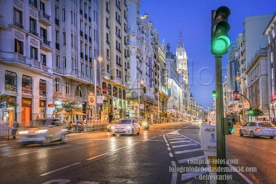 "https://flic.kr/p/tTSdZo | _DSC5382-Semáforo en verde.jpg 26,3 MB 7360 × 4912 | La Gran Vía por la noche con luces y semáforo en verde. Ambiente espectacular. The Gran Via at night with lights and traffic lights in green. Spectacular atmosphere. Puedes comprar la foto aquí: Visit me here: <a href=""http://www.comprar-fotos.com/"" rel=""nofollow"">www.comprar-fotos.com/</a> <a href=""http://www.fotografodebodasdemadrid.com"" rel=""nofollow"">www.fotografodebodasdemadrid.com</a> <a…"