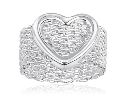 Hearts of love ring. Starting at $10 on Tophatter.com!