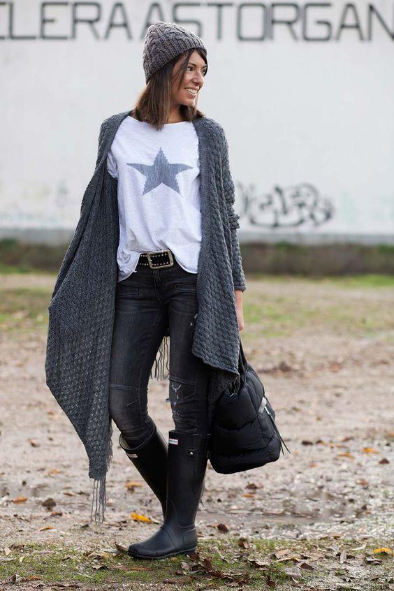 Alice rises up y The Amity Company. Chaqueta / cardigan combinado con camiseta de estrella con lentejuelas y botas Hunter