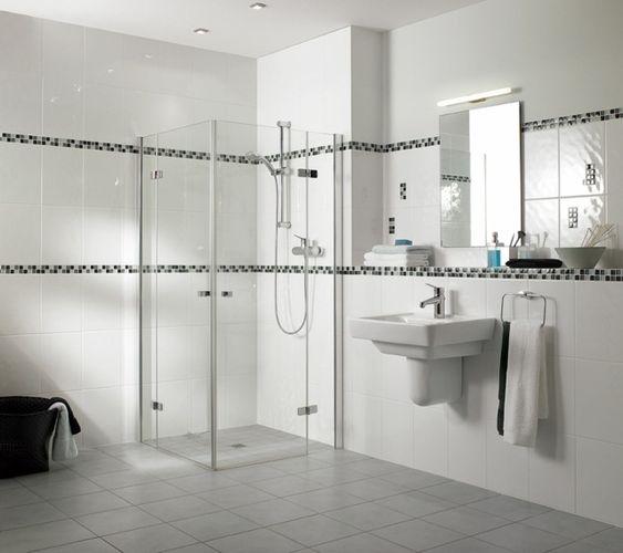 Badfarbe Um Den Begrenzten Platz In 39 Ideen Zu Vergrossern Minimalistisches Badezimmer Bad Farben Badezimmer Renovieren