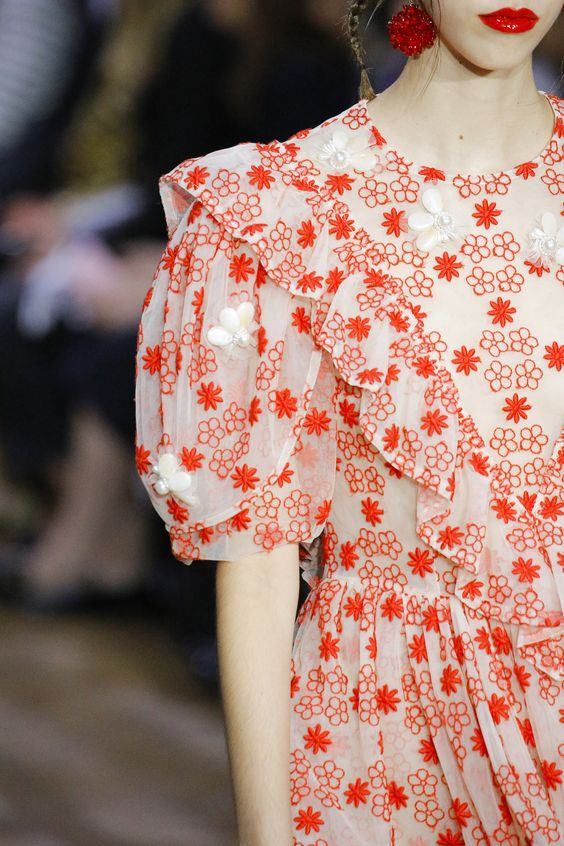 Simone Rocha Spring 2017 Ready-to-Wear Fashion Show Details