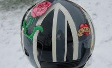 peinture sur le thème de l'union-jack avec rose style tattoo old school