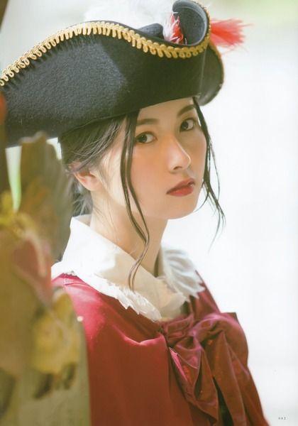 海賊姿の佐々木琴子