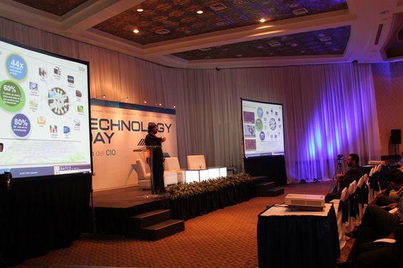 Conferencias durante el Technology Day.