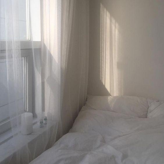 White Bedroom Aesthetics Sheer Curtains In 2020 Aesthetic Rooms Tumblr Bedroom Decor Aesthetic Bedroom