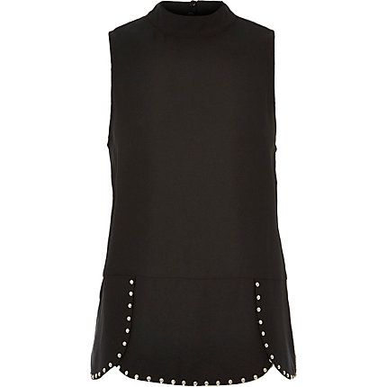 Black studded tank top 40,00 €