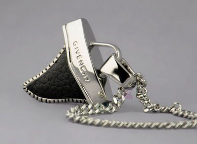 Givenchy Necklace-013