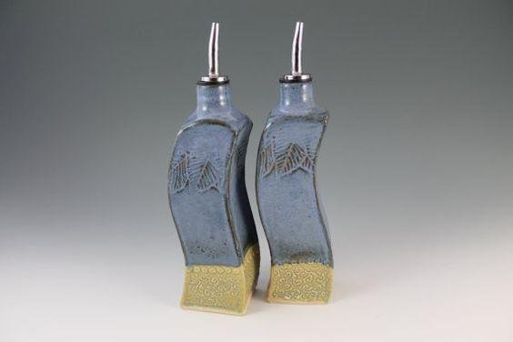 Olivenöl und Essig Flasche Set  Cruet Set  grün von NewDayPottery, $68.00
