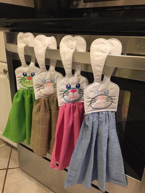 Orejas de conejo colgando toalla de cocina. Punto Polka o sólido su elección. ¡hágamelo saber! Hace que cualquier cocina brillante. Puede ser personalizado