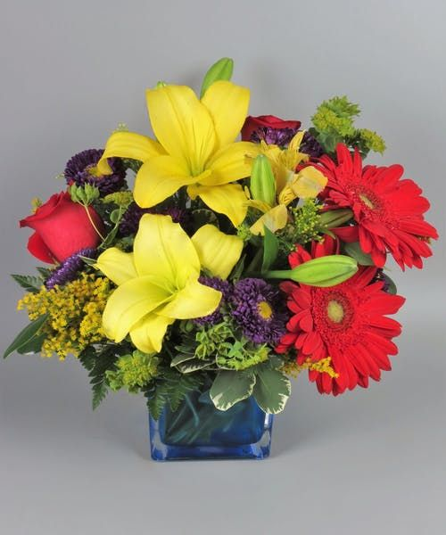 Blue Caribbean Flower Arragement Flower Delivery Alstroemeria