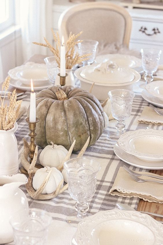 15 Simple & Elegant Fall Tablescapes   Neutral Fall Table Decorations