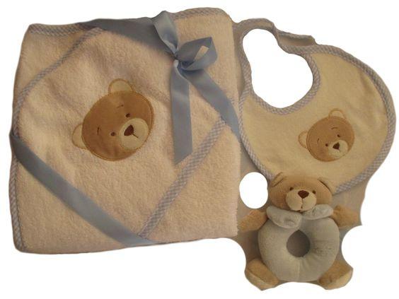 Set regalo para bebé, capita de baños en 100% algodón, babero y aro sonajero. El #regalo perfecto para #bebé.