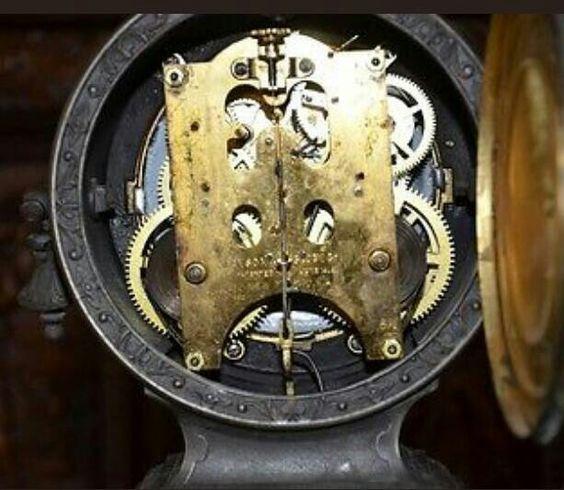 Papin clock movement