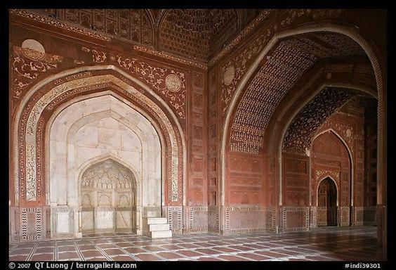 Side sanctuary of Taj Mahal masjid. Agra, Uttar Pradesh, India
