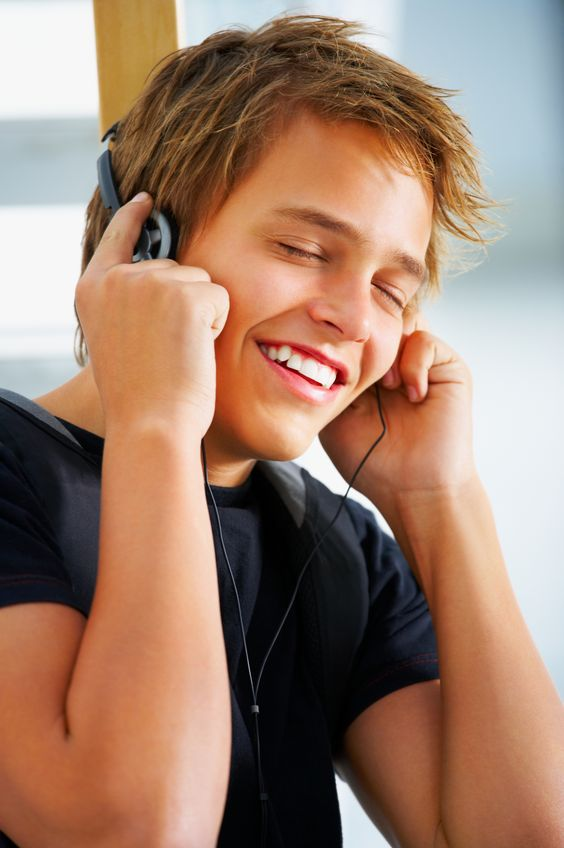 #TeenHealth: Reduce your risk of hearing loss caused from excessive noise exposure. Tips from the #CDC.