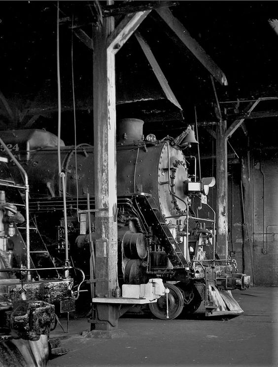 ICRR locomotive #2524 in roundhouse at Paducah, KY