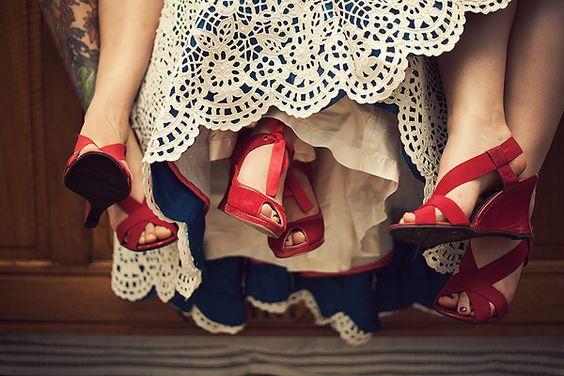I heart smooch the shoes, the dress, the underlay of the dress ... muah muah muah!