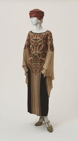 1923 ensemble by Paul Poiret via The Philadelphia Museum of Art