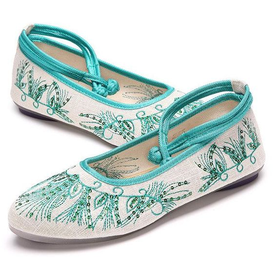 42 Comfort Flat Summer Shoes To Wear Now shoes womenshoes footwear shoestrends