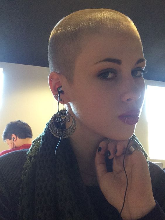 Short Hair Beauty : Photo | Short and extreme haircuts for