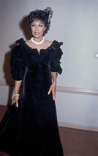Diahann Carroll Biography | Diahann Carroll 1985 Gloden Globes ..she played Domenique Deveraux on ...