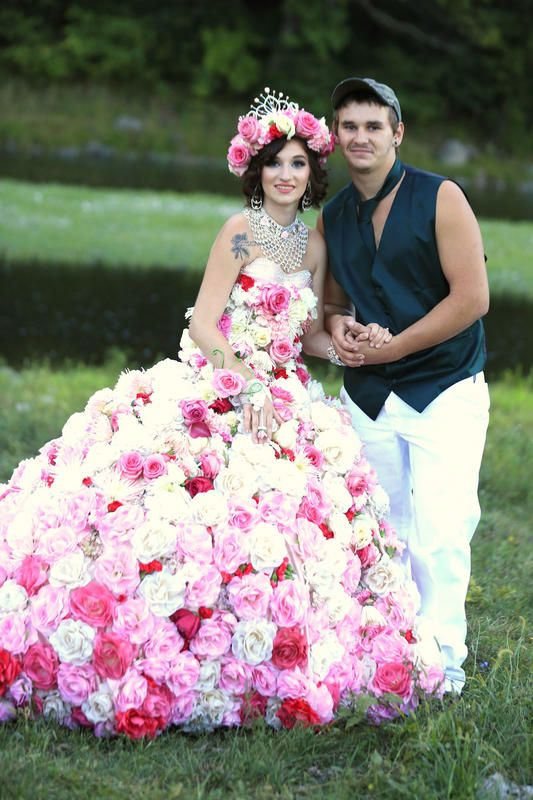 Sondra Celli dress made of pink and white flowers