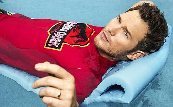 Let us swoon over this Chris Pratt in a 'Jurassic Park' t-shirt. Just for a moment.
